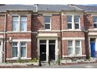 2 bedroom flat in Brinkburne Avenue, Bensham, Gateshead, NE8