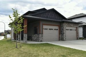 Two-story house for sale (30 x 30 garage ) Red Deer SE
