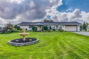 Beautiful Spacious 3 Bdr-Detached Bungalow in Caledon@@@