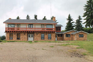 7 Bedroom Acreage located north of Hafford