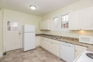 EVERYTHING INCLUDED!! UWO/ students, close to Wortly/ downtown