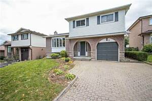 5 Lvl Side Split Home In Whitby - Close To Amenities & Transit!!
