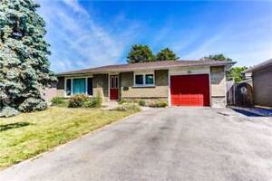 OPEN CONCEPT 3+1 BED BUNGALOW IN AJAX!!!WALK TO LAKE!!! W/POOL!!