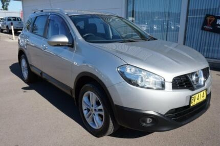 2013 Nissan Dualis J107 Series 4 MY13 +2 Hatch X-tronic 2WD ST Silver 6 Speed Constant Variable