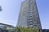 Beautiful 2 Bedroom Corner Unit At The Queensway And Windermere