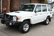 2010 Toyota Landcruiser VDJ76R 09 Upgrade GXL (4x4) White 5 Speed Manual Wagon Kingsgrove Canterbury Area Preview