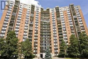 Large Unit, 3 Beds, 2 Baths, 50 MISSISSAUGA VALL Boulevard