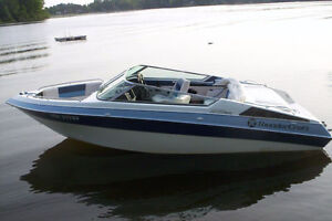 V8 Powered Bowrider for Fun in the Sun!