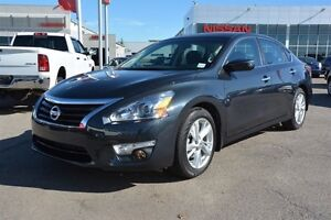 2015 Nissan Altima 2.5 SV ROOF CAMERA Heated Seats,  Sunroof,  B