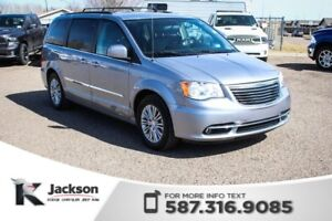 2015 Chrysler Town & Country Touring - Touchscreen, Leather, Rea