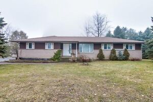 Beautiful House in the Country - 2 Acress edge of New Hamburg!