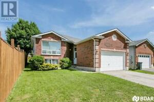 332 EMMS Drive Barrie, Ontario