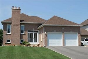 Bungalow-Raised For Rent in Keswick North