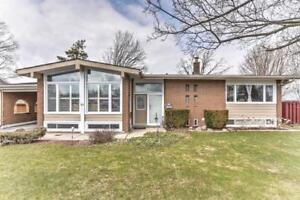 FOR SALE!! BEAUTIFUL BUNGALOW IN CAMBRIDGE