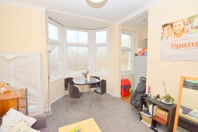 */ A lovely 2 bedroom flat, in Finsbury Park */