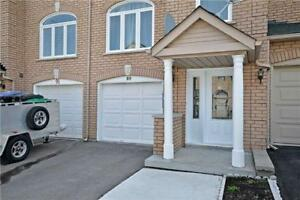 Bright and Sunny Townhome – 3 Bed + 2.5 Bath + Parking+ Garage