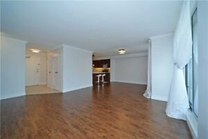 Gorgeous Fully Renovated 3BD 2Bath Corner Unit in Thronhill