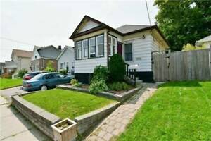 OSHAWA SUN-FILLED 2-BEDROOM PLUS DEN, BEST VALUE!