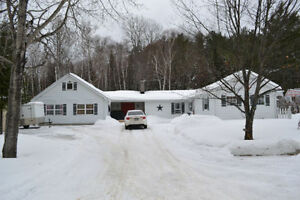 Callander home on large lot - just minutes from town!