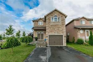 Detached Family Home With Over 1700 Square Feet in Innisfil