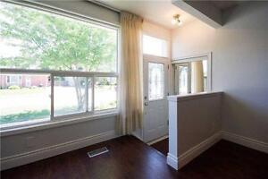large fully renovated 4 bedroom, Bungalow for lease in Aurora