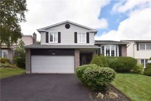 Beautiful Upgraded Detached 4Bed+1/3Bath W/Walk-Out (Newmarket)
