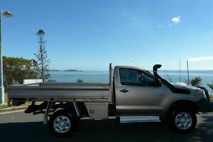 2006 Toyota Hilux KUN26R MY07 SR Gold 5 Speed Manual Cab Chassis South Gladstone Gladstone City Preview