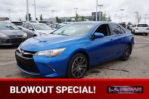 2016 Toyota Camry XSE Accident Free,  Sunroof,  Back-up Cam,  Bl