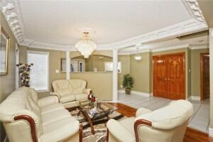 ** Absolutely stunning Detached house for Sale in Brampton **