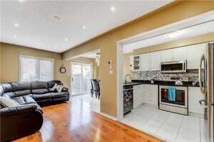 3 bedroom Freehold house at very good location churchill meadows
