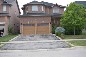 4 BDRM 4 WSHRM HOME IN OAKVILLE FOR RENT AVAILABLE IMMEDIATELY