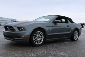 2014 Ford Mustang PREMIUM CONVERTIBLE Accident Free,  Leather,
