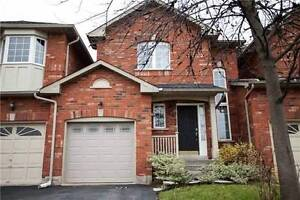 FREEHOLD TOWNHOUSE WITH ESCARPMENT VIEWS!!