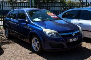 2005 Holden Astra AH MY05 CD Blue 5 Speed Manual Hatchback Colyton Penrith Area Preview
