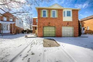 Beautiful Home In Prime Oakville! Close To Schools & Hwys!!