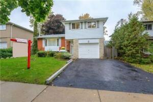 JUST LISTED!!!!  FULLY FINISHED AJAX 3BED DETACHED HOME!!!!