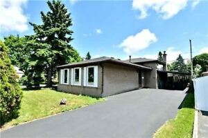3 BR BEAUTIFUL RENOVATED BACKSPLIT 3 HOUSE FOR SALE IN PICKERING