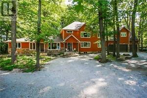 1075 Big Bay Point Rd Barrie Ontario Great house for sale!
