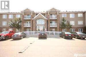4 -  41 COULTER Street Barrie, Ontario