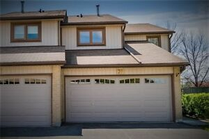 Spacious End Unit 4 Bedroom Townhome In Erin Mills X3796077 MA24