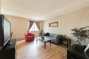 2nd Flr Corner Unit 4 Bed / 3 Bath in Glen Abbey For Sale