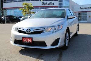 2014 Toyota Camry LE w/Bluetooth, One Owner, No Accidents