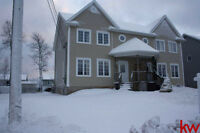294 Lonsdale dr. Move in Ready
