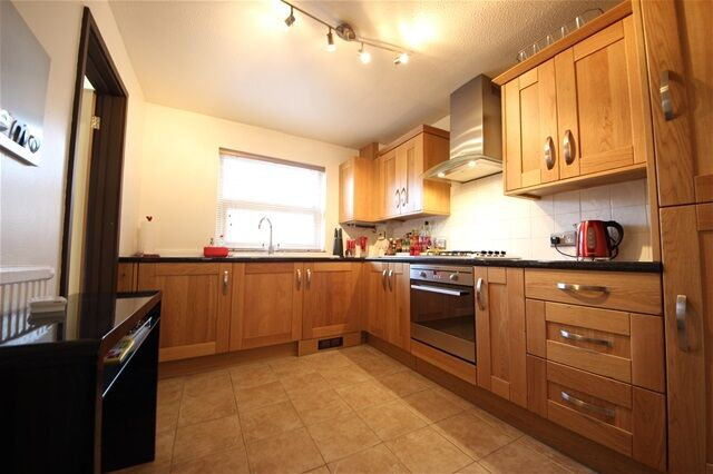 3 bedroom house in Dressington Ave, Brockley