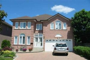 5 Bedrooms with 2 ensuite detached house in Richmond Hill