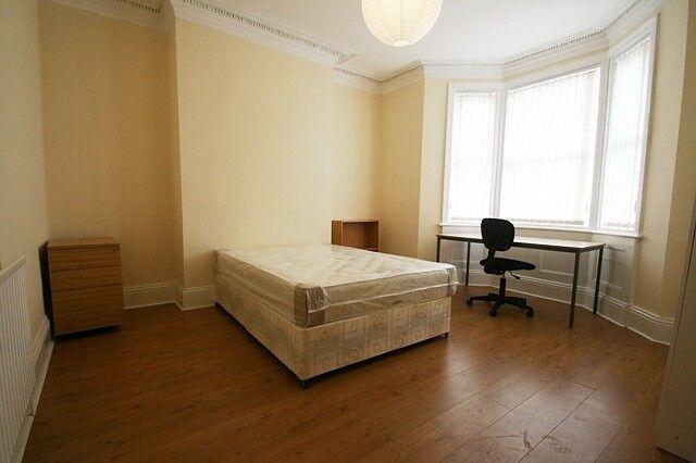 2 bedroom flat in Fourth Avenue, Heaton, Newcastle Upon Tyne, NE6