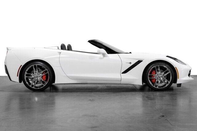 2015 White Chevrolet Corvette  2LT   C7 Corvette Photo 8