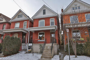 STUNNING 3 BEDROOM DETACHED HOUSE RIGHT OF OFF LOCKE ST.