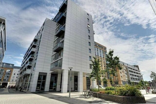 1 bedroom flat in Jubilee Court, 20 Victoria Parade, Greenwich