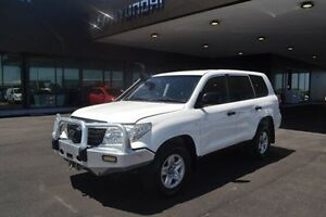 2013 Toyota Landcruiser VDJ200R GX White Sports Automatic Strathmore Heights Moonee Valley Preview